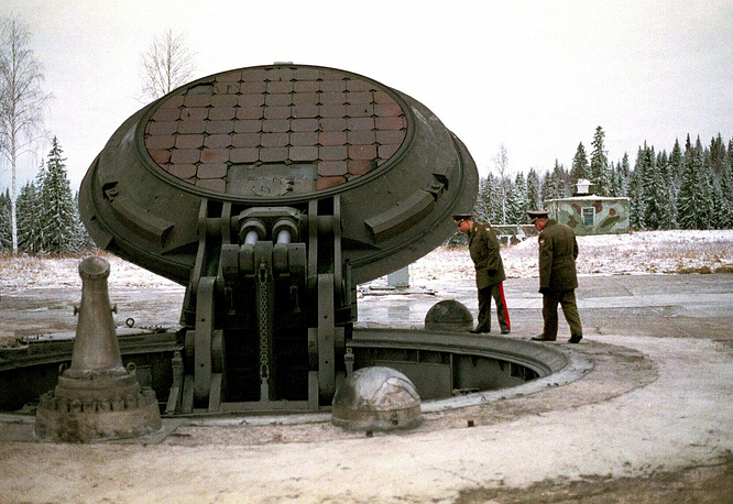 Photo: Opened silo of a Topol-M missile, 2001
