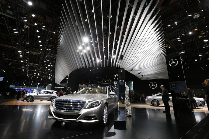 Mercedes-Maybach S600 on display at the Mercedes-Benz exhibit