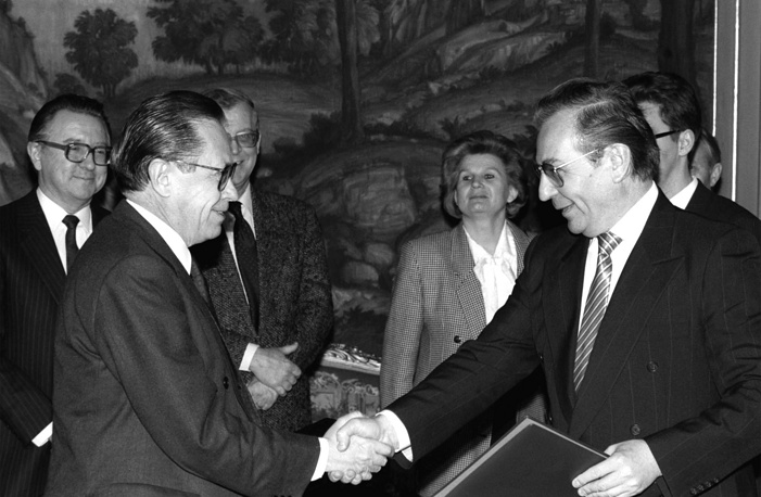 Alexander Bessmertnykh served as a Minister of Foreign Affairs of the USSR in 1991, replacing Eduard Shevardnadze. He took part in the signing of the Soviet-American START-1 Treaty in July 1991. Photo: Minister of Foreign Affairs of the USSR Alexander Bessmertnykh and Minister of Foreign Affairs of Mexico Fernando Solana Morales