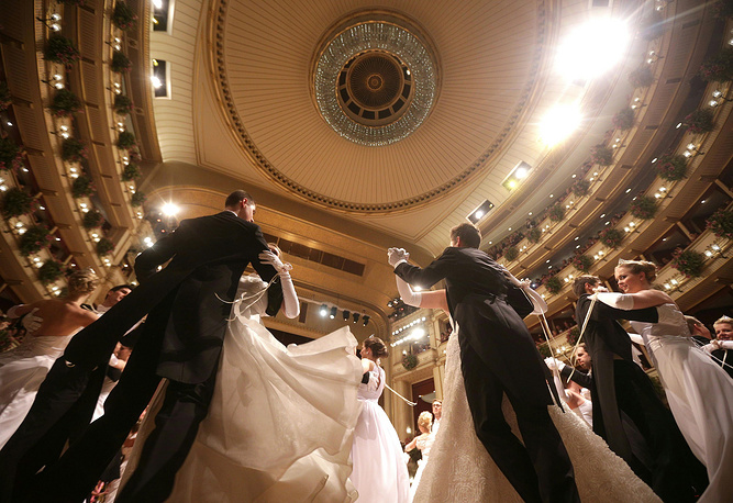 The Opera Ball is one of the most privileged events in Austria. Photo: Debutants dance in the ballroom during the opening ceremony of the Vienna Opera Ball