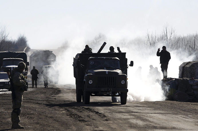 Ukrainian forces retreating from Debaltsevo, Feb. 18
