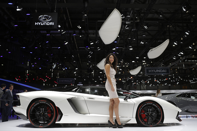The Motor Show presents more than 250 exhibitors and more than 130 world and European premieres. Photo: Lamborghini Aventador