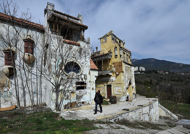 Russia plans to revive and develop cinema festivals in Crimea. Photo: Fake town built for the film on the territory of Yalta Film Studio