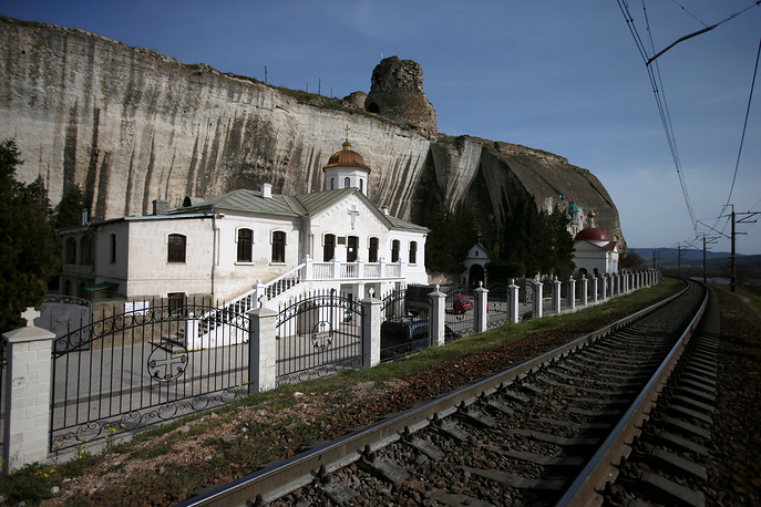 As Ukraine stopped motor and railway service with Crimea, Russia plans to improve transport links with the region. Photo: St. Clement monastery and fortress Calamita in Crimea