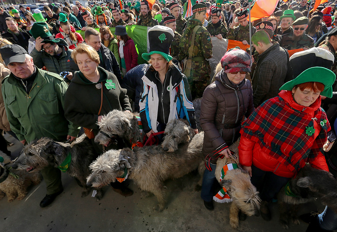 People celebrating Saint Patrick's Day in Moscow's Sokolniki park