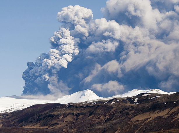 The eruption of the volcano in southern Iceland's Eyjafjallajokull glacier is thought to have begun on 20 March 2010, about 8 kilometres east of the top crater of the volcano. Photo: Iceland volcano Eyjafjallajokull