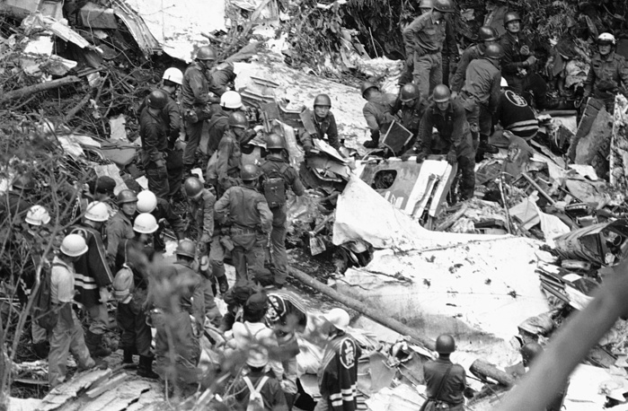 On August 12, 1985 a Boeing 747SR on rout from Tokyo to Osaka suffered mechanical failure 12 minutes into the flight and later crashed 100 kilometres from Tokyo. 15 crew members and 505 passengers on board died. Photo: Crash site of a Japan Air Lines Boeing 747 in Komoro, Japan