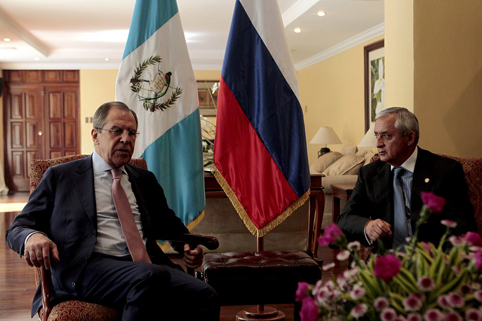 In Guatemala Russian Foreign Minister met with Guatemalan President Otto Perez and Foreign Minister Carlos Morales to discuss prospects for expanding bilateral trade and cooperation in emergency response. Photo: Sergey Lavrov and Otto Peres Molina during a meeting at Presidential House in Guatemala City
