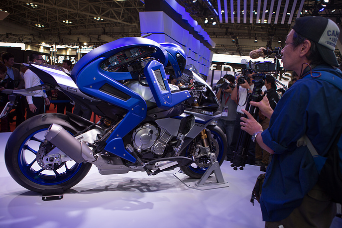 Yamaha's Motorbot version 1 concept