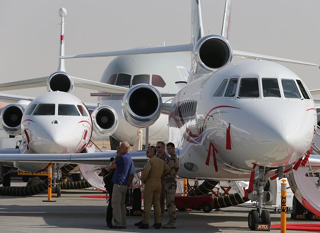 Dassault Falcon 8X long range trijet business jets