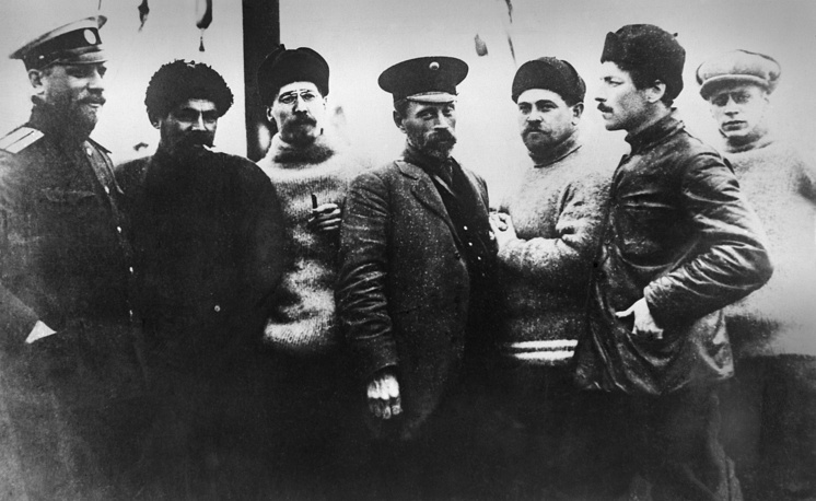 Members of the polar expedition headed by Georgy Sedov (first left), 1913