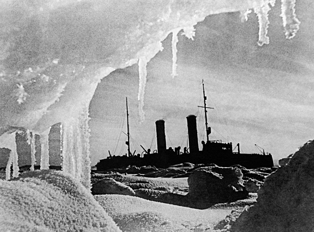 Icebreaker Krasin, which participated in numerous rescue operations and explored the Northern Sea Route, 1930