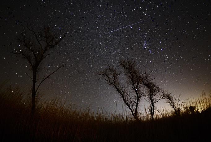 Geminid meteor shower over Vladivostok