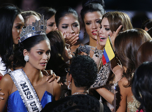 Miss Colombia Ariadna Gutierrez after she was incorrectly crowned Miss Universe 2015