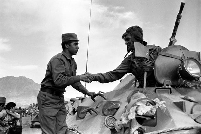 Soviet troops leaving Jalalabad, 1988