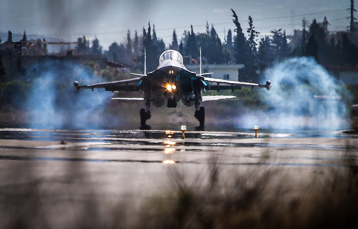 Sukhoi Su-34 strike fighter landing at the Hmeymim airbase, Syria
