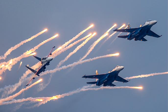 Fighters of the Russkiye Vityazi aerobatic team, 2014