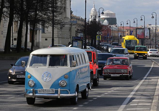 Parade of vintage cars on Vasilevsky Island in Saint Petersburg