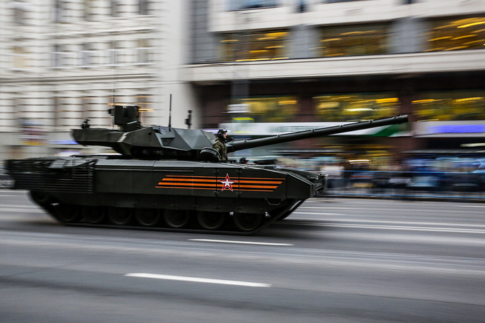 T-14 Armata is a new Russian main battle tank based on the Armata Universal Combat Platform. The new tank is furnished with an unmanned turret, all-digital controls and an isolated armored crew compartment. Photo: Russian Armata T-14 tank at a rehearsal for a military parade in Moscow