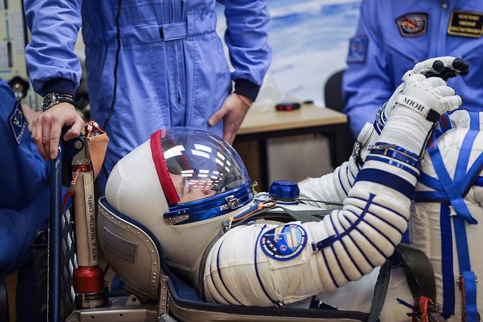 Yuri Malenchenko before the launch of Soyuz FG rocket with Soyuz TMA-19M at Baikonur Cosmodrome, 2015