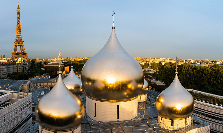 Domes of the Russian Orthodox Cathedral in construction at the Russian Orthodox Spiritual and Cultural Centre along the River Seine in Paris, Sept 26