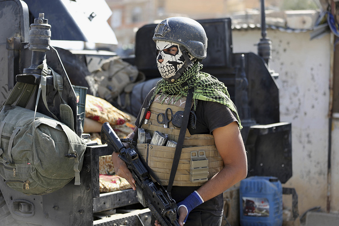 A member of Iraq's elite counterterrorism forces
