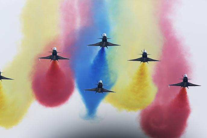J-10 fighter jets of China's Bayi aerobatic team