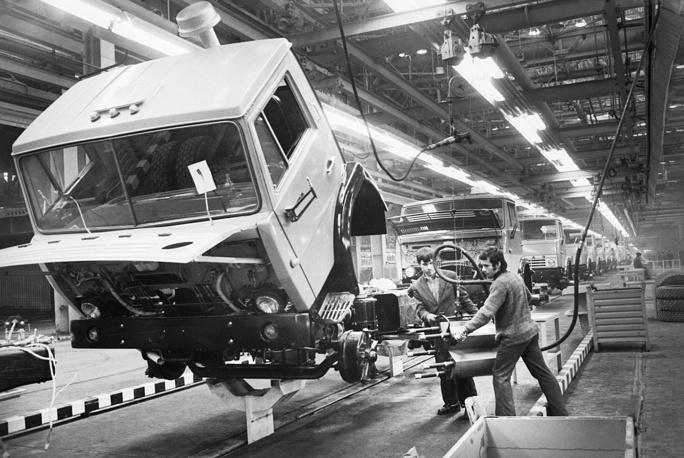 An sssembly line of KAMAZ trucks, 1976