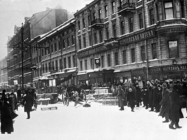 The revolution involved mass demonstrations and armed clashes with police and gendarmes, the last loyal forces of the Russian monarchy. Photo: Barricades on Liteiny Prospect of Petrograd