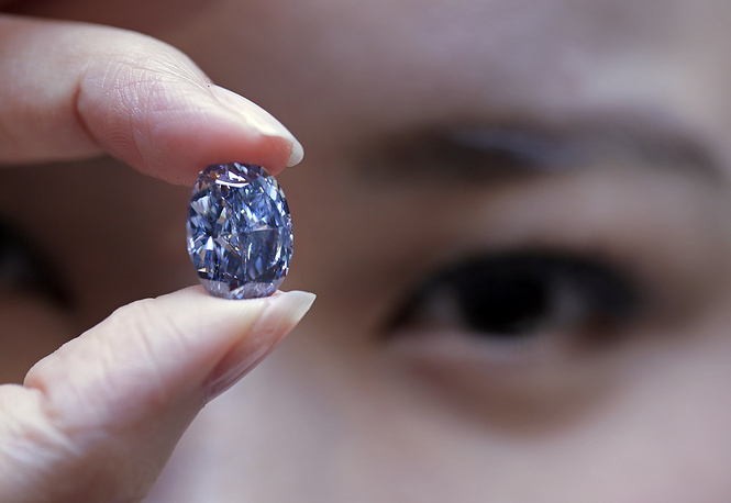 The De Beers Millennium Jewel, a 10.1-carat oval blue diamond, was sold at Sotheby's in Hong Kong on April 5, 2016. The gemstone originates from South Africa's renowned Cullinan Mine. The diamond was unveiled by De Beers in 2000 to commemorate the millennium, and displayed at London's Millennium Dome. It was the target of an attempted robbery in November 2000, which was foiled by the Metropolitan Police