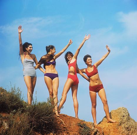 Crimean girls on the shore of the Black Sea, Ukrainian SSR, 1970