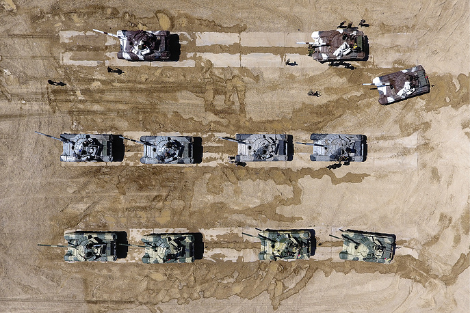 Battle tanks compete in in the Tank Biathlon at the 2017 International Army Games held by Russia's Defense Ministry at the Alabino Firing Range, August 1