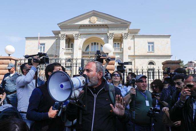 Armenian politician, opposition activist Nikol Pashinyan outside the Residence of the President of Armenia in Yerevan