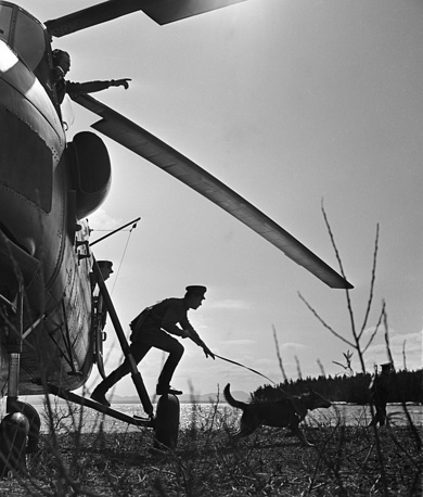 Group of border guards of Far East military district performs a mission, 1963