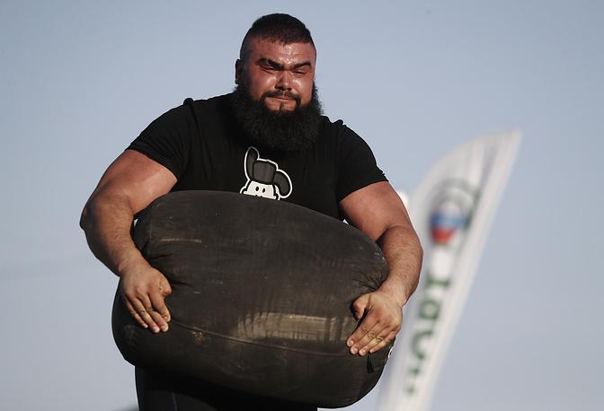 A man takes part in the annual Atmanovskie Kulachki festival