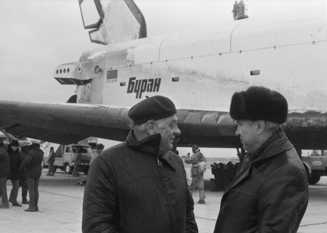 Chief designer of the Energia launch system Boris Gubanov and chief designer of the Buran Spacecrafts, manned vehicles and stations Yuri Semenov seen after the landing of the Buran spacecraft, 1988