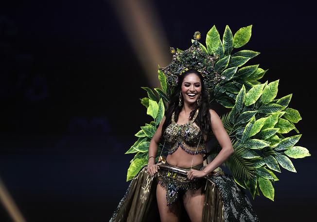 Miss Peru Romina Lozano