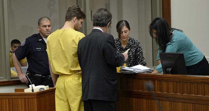 Семен Варламов освобожден под залог. AP Photo/The Denver Post, RJ Sangosti, Pool