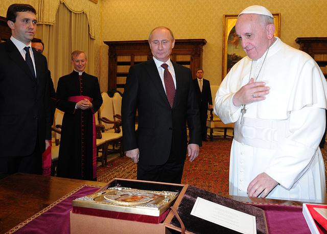 Президент России Владимир Путин и папа римский Франциск
