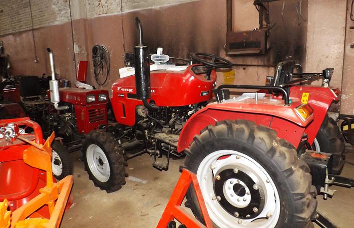 На территории ФИИЦМ предприниматели организовали сборку китайских тракторов
