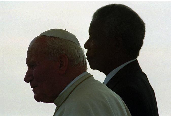 Нельсон Мандела и Иоанн Павел II в Йоханнесбурге, 1995 г.