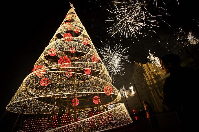Рождественская ель в Лиссабоне