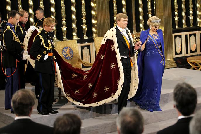 30 апреля 2013 года королева Нидерландов Беатрикс отреклась от трона в пользу своего старшего сына Виллема-Александера, который в этот же день вступил на престол