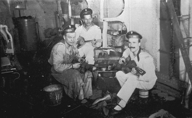 Моряки линкора Петропавловск, 1914 год