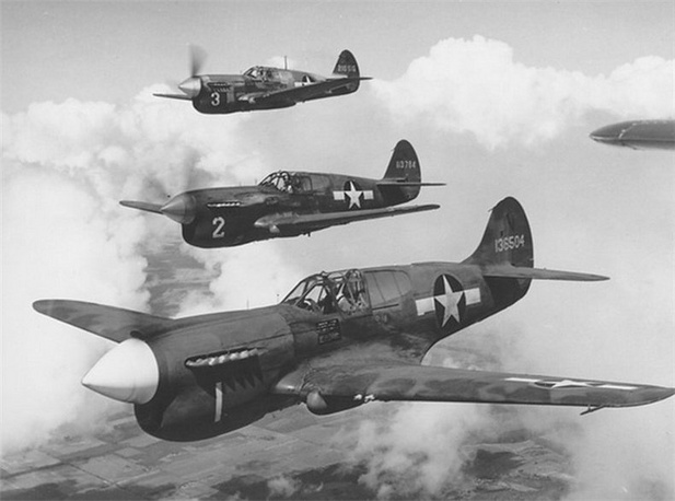 "Самолеты P-40 Warhawk / ""Tomahawk"" (Kittyhawk) модификация Curtiss P-40 Warhawk USAF Source."