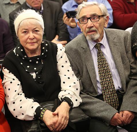 Родители Михаила Ходорковского Марина и Борис во время пресс-конференции в Музее Берлинской стены