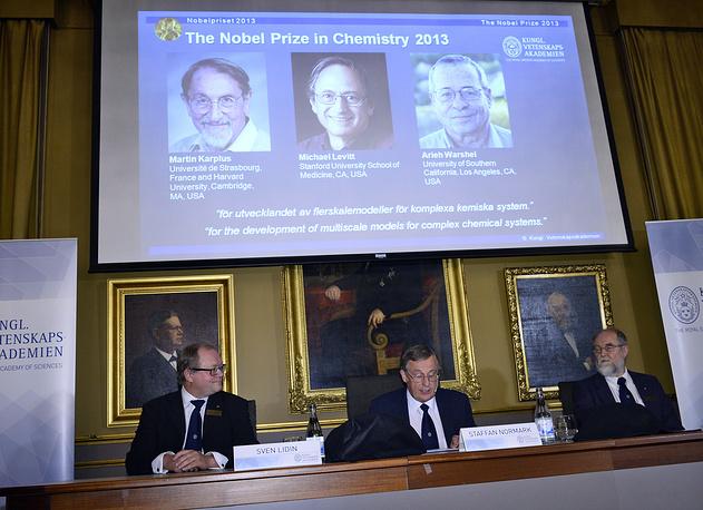 Нобелевские лауреаты по химии в 2013 году - ученые из США Мартин Карплюс, Майкл Левит и Ари Варшал