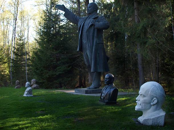 Бюсты и статуи Ленина в частном парке-музее в Литве.