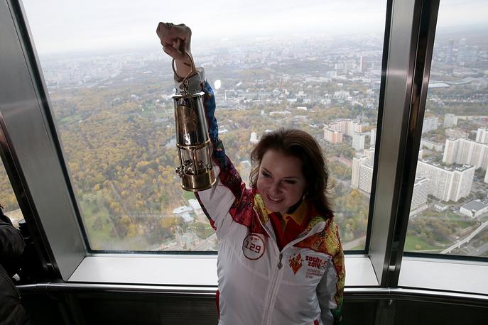 Ирина Слуцкая – серебряный призер Олимпийских игр в одиночном фигурном катании 2002  года, бронзовый призер Олимпиады 2006 года, двукратная чемпионка мира, семикратная  чемпионка Европы. С октября 2011 года ведет новости спорта на Первом канале