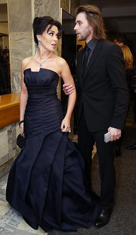 Актриса Анастасия Заворотнюк с мужем, тренером по фигурному катанию Петром Чернышевым